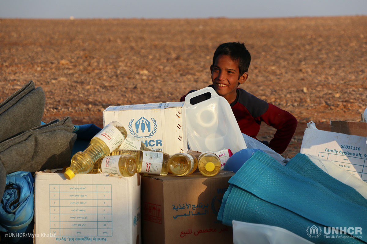A young child visits the aid distribution point in Rukban to receive humanitarian assistance.